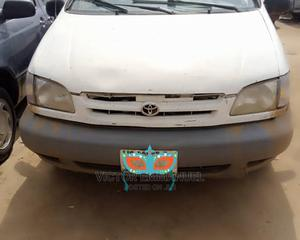 Toyota Sienna 2003 White | Cars for sale in Lagos State, Yaba