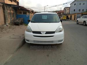 Toyota Sienna 2005 CE White   Cars for sale in Lagos State, Amuwo-Odofin