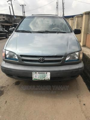 Toyota Sienna 2002 LE Green | Cars for sale in Lagos State, Agege