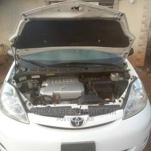 Toyota Sienna 2009 White | Cars for sale in Osun State, Ilesa
