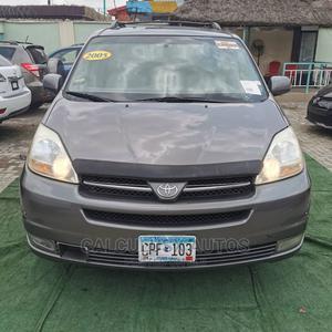 Toyota Sienna 2005 XLE AWD Gray   Cars for sale in Lagos State, Ilupeju