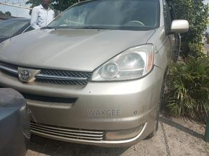 Toyota Sienna 2004 Gold   Cars for sale in Lagos State, Surulere