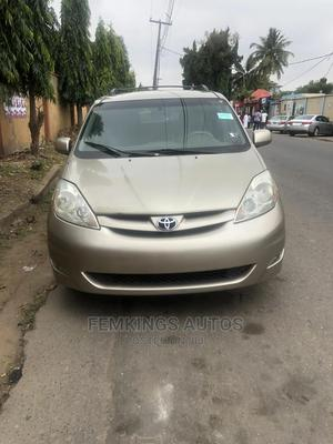 Toyota Sienna 2006 XLE AWD Gold | Cars for sale in Lagos State, Ikeja