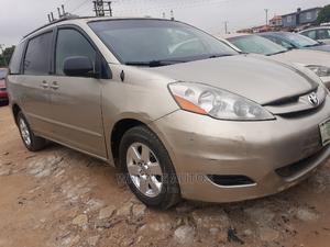 Toyota Sienna 2006 LE AWD Gold   Cars for sale in Lagos State, Alimosho
