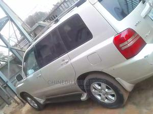 Toyota Highlander 2005 V6 4x4 Gray   Cars for sale in Abuja (FCT) State, Kubwa