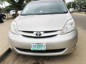 Toyota Sienna 2007 XLE Limited 4WD Gold | Cars for sale in Lagos State, Amuwo-Odofin