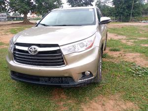 Toyota Highlander 2015 Gold | Cars for sale in Abuja (FCT) State, Lokogoma