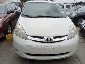 Toyota Sienna 2009 White | Cars for sale in Lagos State, Ojodu