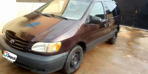 Toyota Sienna 2002 Brown | Cars for sale in Lagos State, Ifako-Ijaiye