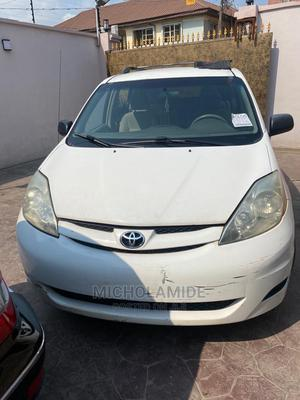 Toyota Sienna 2005 CE White   Cars for sale in Lagos State, Ikeja