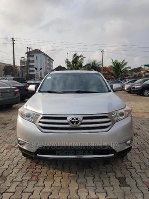 Toyota Highlander 2013 3.5L 4WD Silver | Cars for sale in Lagos State, Lekki