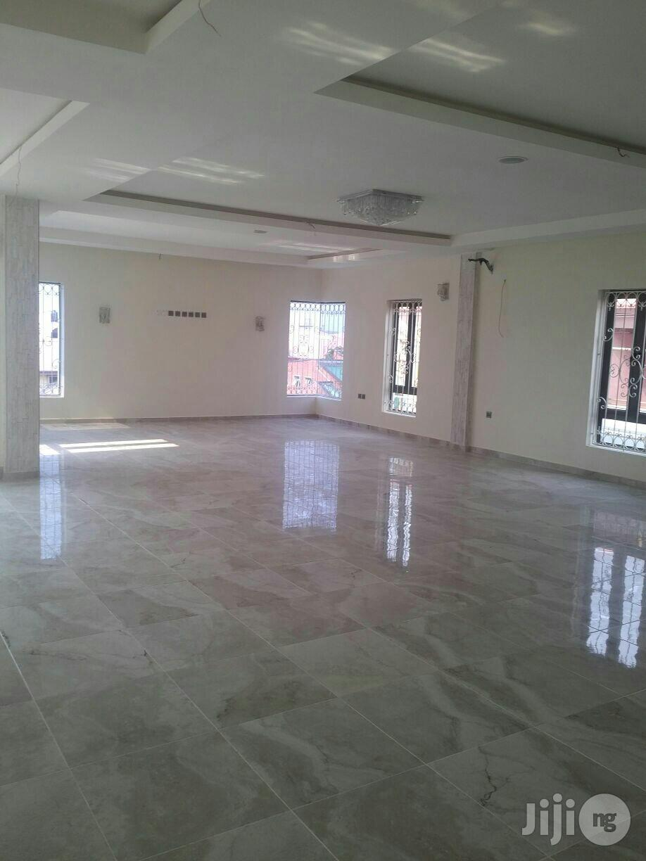 Clean 7 Bedroom Mansion Off Admiralty Way Lekki Phase 1 For Sale. | Houses & Apartments For Sale for sale in Lekki, Lagos State, Nigeria