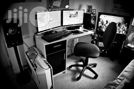 Archive: Professional Video Editor And Photographer