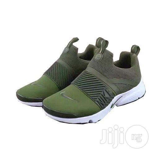 Nike Air Presto Extreme Army Green in