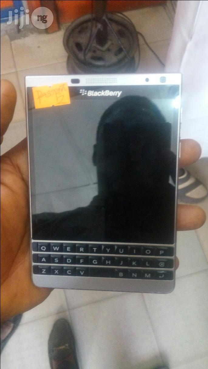 Uk Used Blackberry Passport Silver 32 GB For Sale