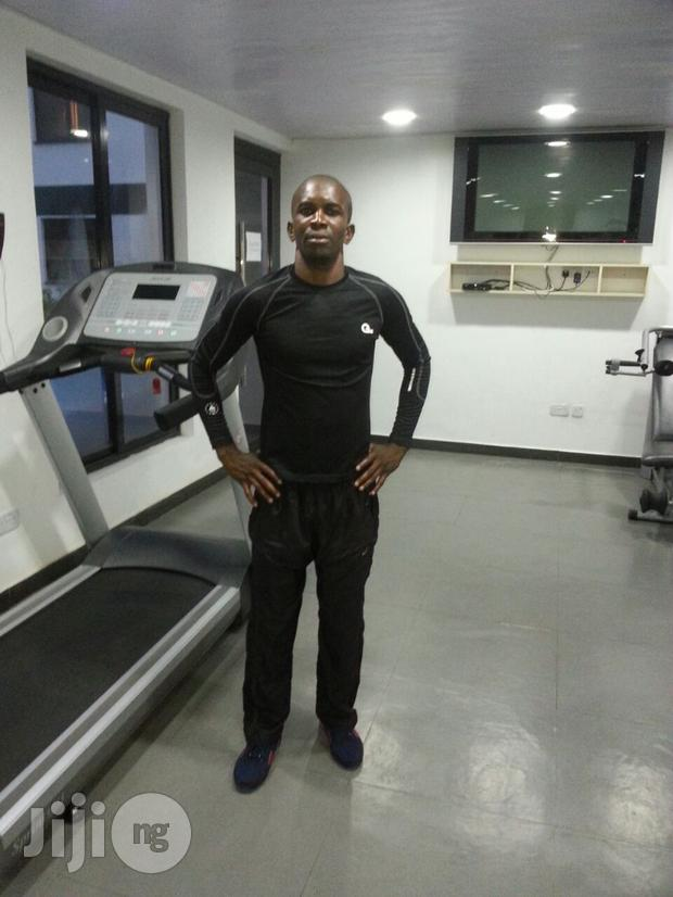 Certified Personal Fitness Trainer On Entire Body Workout.