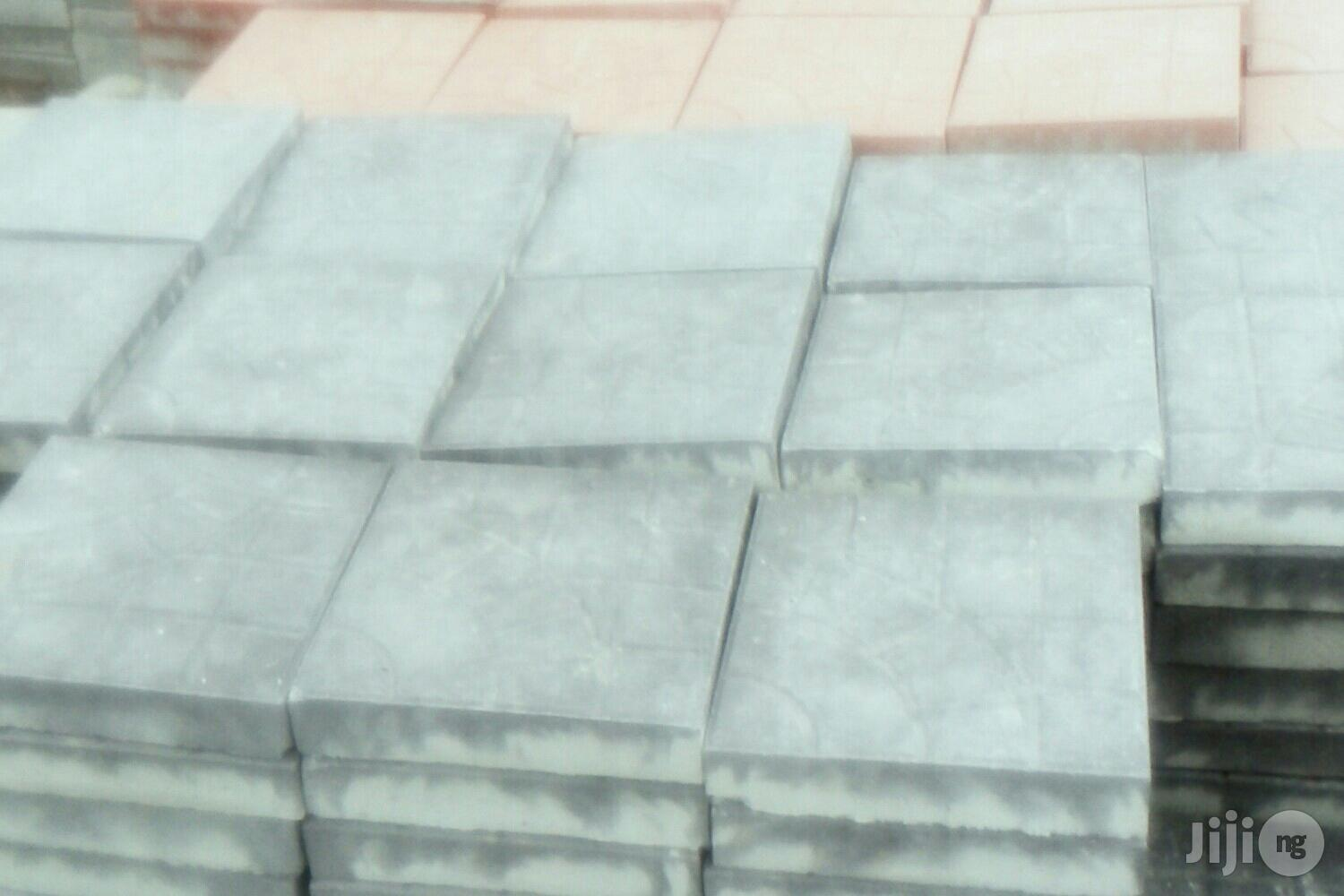 Carpet Interlocjing Paving Stones High Compressive Strenght   Building Materials for sale in Epe, Lagos State, Nigeria