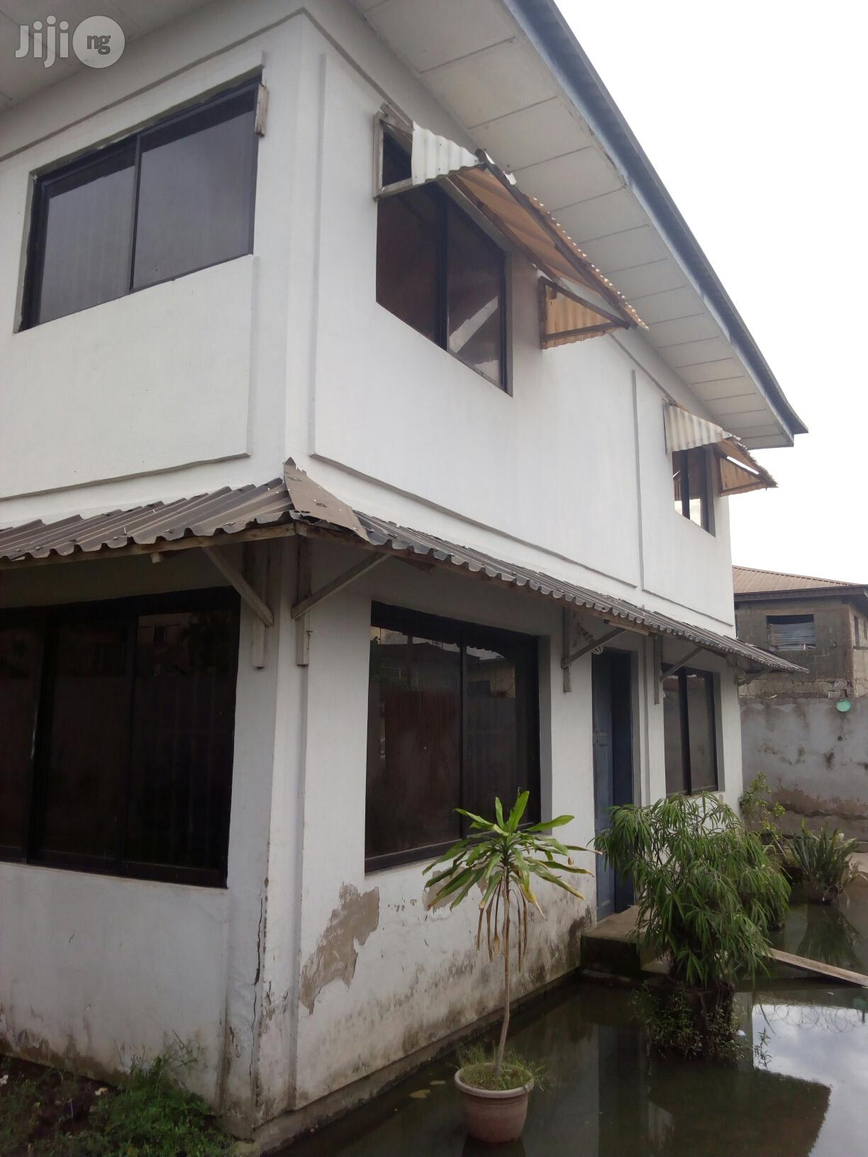 Nice and Vacant 5bedroom Duplex for Sale in Akoka
