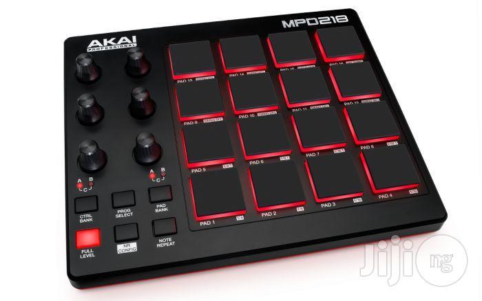Akai MPD 218 MIDI Pad Controller Drumpad / Drum Pad